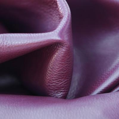 Full-grain leather 1677