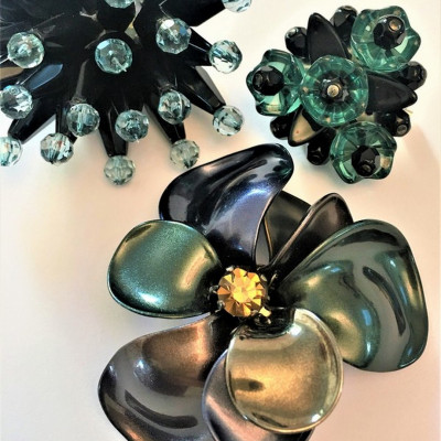 Resin flowers accessories